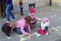 Děti z mikulovského DDM vyzdobily chodník - ilustrační foto.