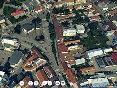Ulice Břeclavi, včetně středu města, si lze nově prohlédnout na monitoru počítače v trojrozměném formátu. Podmínkou je připojení k internetu.