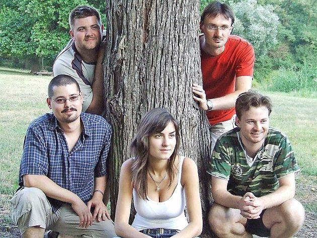 Folkrocková hudební skupina Yantar.
