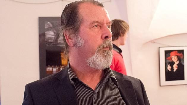 Zdeněk Bažant obnovil fotoklub v Hustopečích.