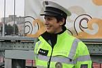 Republikoví policisté představili v pátek veřejnosti svou techniku, nechyběla ani ukázka práce zásahové jednotky. Zájemci si mohli vyzkoušet také fyzické testy. Při akci Policista na zkoušku.