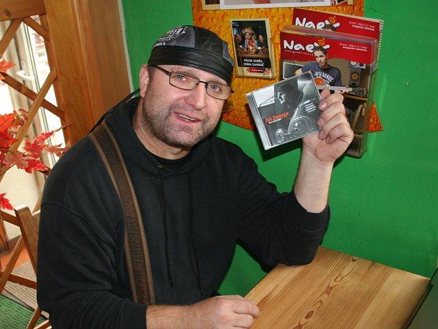 """Na svět se dostalo první """"hudební dítě"""" Jiřího Zonygy – premiérová sólová deska Kus cesty zbývá."""