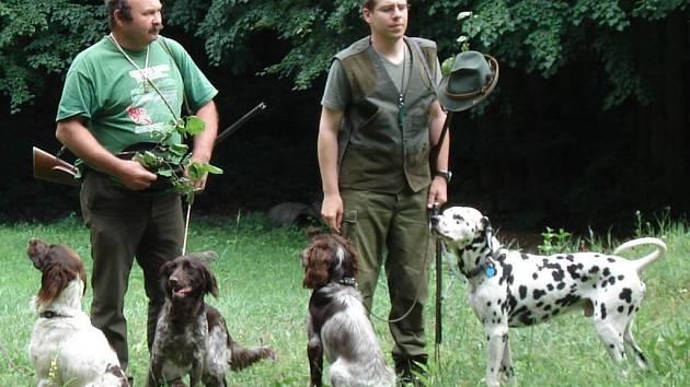 V Kobylí se sešlo šestnáct psů.