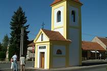 Opravená kaple svaté Terezie v Kosticích.