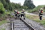 Provoz na železnici u Velkých Pavlovic přerušil v pondělí dopoledne sesuv půdy.
