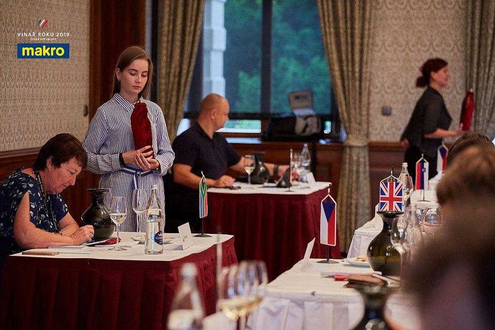 Degustátoři vybrali desítku finalistů soutěže Makro Vinař roku 2019. Vítěze pořadatelé oznámí 21. srpna.