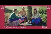 Nový kalendář pokřtí folklorní soubor Svéráz ve Tvrdonicích na Mikulášském jarmarku.