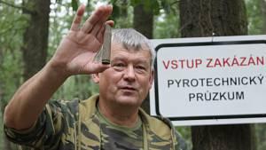 Stokilová raketa. Čištění Bořího lesa? Pyrotechnici nacházejí čím dál víc munice
