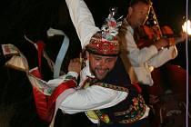 Areál národopisného stadionu v Krumvíři ožil o víkendu folklorním festivalem Hanáckého Slovácka Kraj beze stínu. V soutěži o nejlepšího tanečníka slováckého verbuňku na Hanáckém Slovácku získal titul v konkurenci patnácti verbířů Marek Kraus.