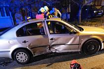 V Kašnici se bočně srazila dvě auta.
