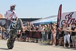 Tisíce motorkářů a návštěvníků zamířily na Euro Bike Fest do pasohláveckého kempu Merkur. Užívali si například kaskadérská vystoupení nebo večerní koncerty.