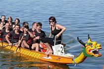 Rok od roku větší účast. To je vizitka Pálavského festivalu dračích lodí, který se už popáté konal po celý víkend na Novách Mlýnech v Yacht Clubu Dyje Břeclav pod Pavlovem.