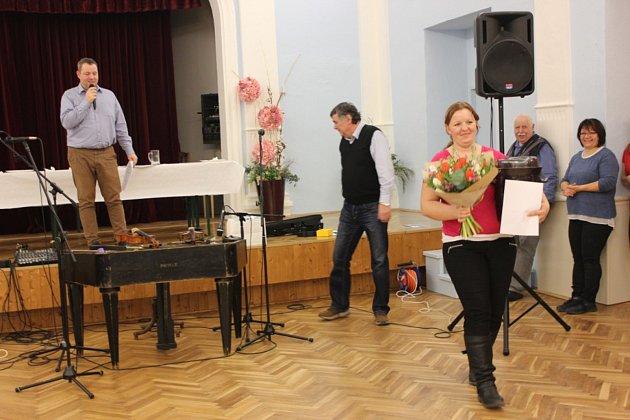 Hana Plisková zJevišovky umí nejlepší kysané zelí vrepublice. Cenu získala vPohořelicích na Zelofestu.