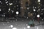 Ve Velkých Bílovicích napadl přes noc první sníh. Padal i ve čtvrtečních ranních hodinách.