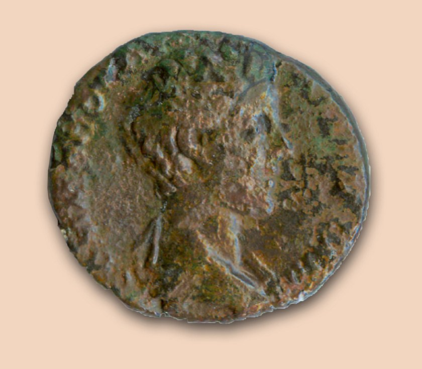 Vyobrazení císaře Commoda na minci z Hradiska u Mušova