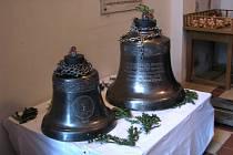 Kloboučtí už mají o dva zvony víc