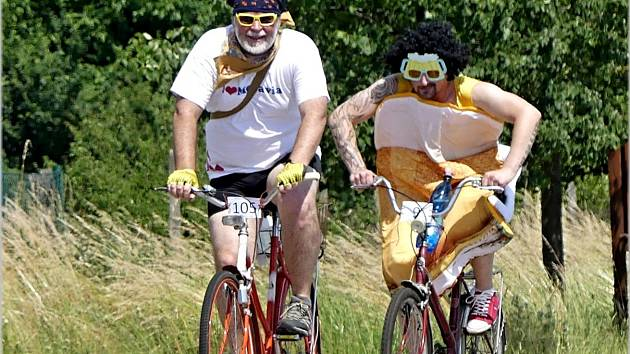 Cyklističtí nadšenci opět závodili v okolí Charvátské Nové Vsi O Dušu.