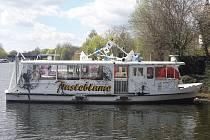 Loď Pampeliška z flotily Lodní dopravy Břeclav. Ilustrační foto.