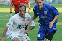 Fotbalisté Břeclavi se po devadesáti minutách rozešli se Slavičínem smírně, pak podlehli při penaltách.