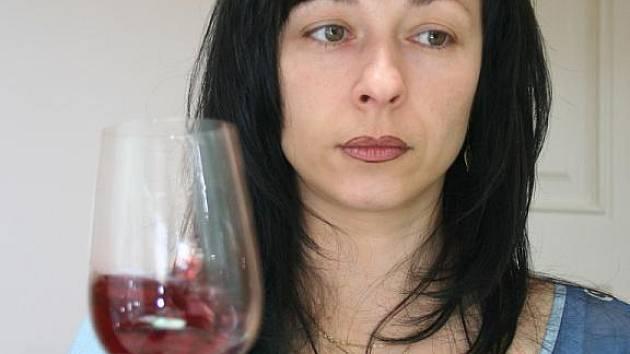 Odborníci ve středu ukončili ve valtickém zámku hodnocení vín na letošní sedmý ročník mezinárodní soutěže Festwine.