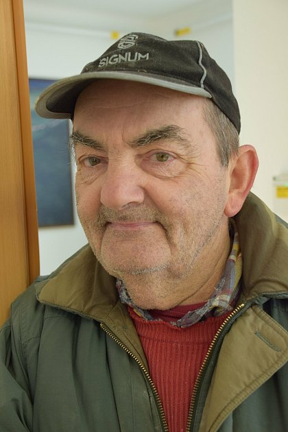 Antonín Radocha, důchodceNarodil jsem se vBřeclavi, do Milovic jsem se přestěhoval až za manželkou vroce 1973.Co se mi tady nejvíc líbí? Děvčata! (smích)SBřeclaví se Milovice srovnat nedají. Když jsem byl mladý, největší rozdíl jsem viděl vnabídce ku