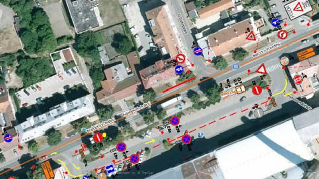 Ve středu a ve čtvrtek budou silničáři opravovat vozovku v ulici Národních hrdinů v Břeclavi. Řidiči i cyklisté musí počítat s omezením provozu.