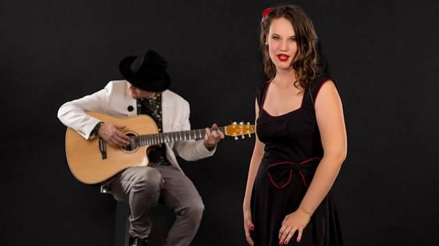 Duo Klára Veselá a Luciano Mayaci zahrají v Podivíně šansony