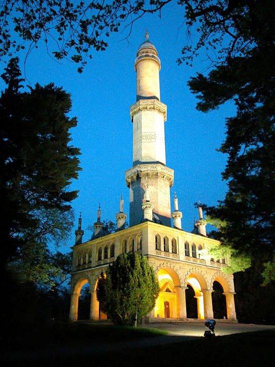 Lednický minaret. Ilustrační fotografie.