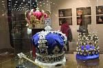 Na zámku ve Valticích je k vidění výstava Zlato císařů a králů, a to až do druhého října.