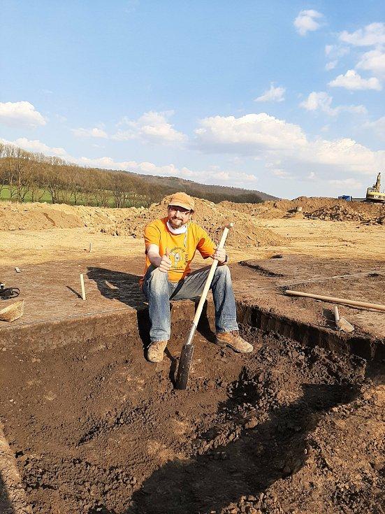 Muzikant a divadelník Tomáš Kočko pracoval v létě na vykopávkách.