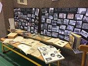 ZŠ Nádražní v Hustopečích se vrátila o sto let zpět. Každá třída měla vlastní projekt k výročí.
