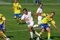 Hráči MSK (v bílém) udrželi proti Zlínu nejtěsnější vedení.