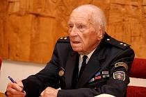 Tomáš Řešil se dočkal ocenění Zasloužilý hasič.