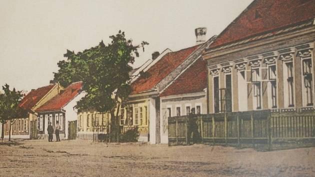 Pohlednice ukazují břeclavské ulice v podobě, jaké byly před mnoha desítkami let.