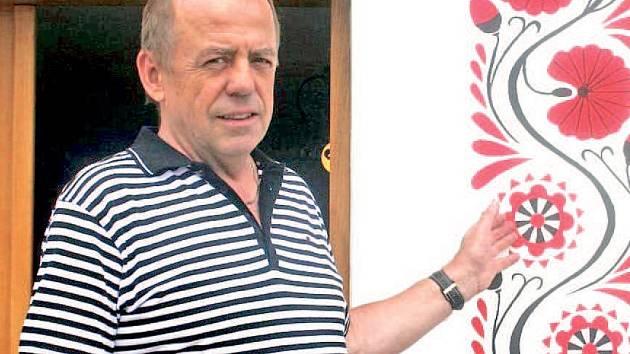 Bořetický starosta Václav Surman vyzdvihuje zájem mladých o folklor a tradičně kvalitní práci vinařů. Své místo si v obci našel i obtížný překážkový závod Spartan race.