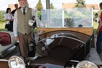 Desáté výročí lázeňského domu Perla oslavili v sobotu v lednických lázních. Pořadatelé připravili hudební program, ale také například přehlídku automobilových veteránů.