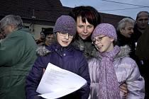 Štědrý den ve Vranovcích byl sice bez sněhu, ale zato se zpěvem a dobrou náladou.