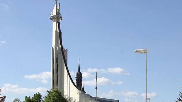 Před 25 lety vysvětili věřící nový kostel sv. Václava a Anežky České.