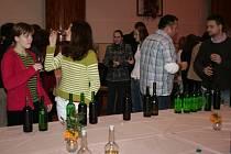 Po slavnostním svěcení vín následovala v hlohoveckém kulturním domě jejich ochutnávka.