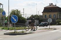 Diskutovaným tématem se mezi lidmi v Břeclavi stal silniční ostrůvek v tamní Břetislavově ulici.