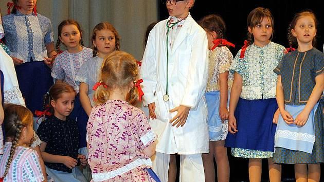 V pořadí už sedmá Regionální přehlídka dětských folklorních souborů na Podluží se konala první dubnovou sobotu v sále Obecního domu v Dolních Bojanovicích.