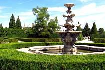 Barokní kašna v lednickém parku.