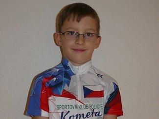 Vojtěch Blažek se již jako šestiletý zapsal do české knihy rekordů. Dnes sedmiletý chlapec zabodoval při balancování na krasokole.
