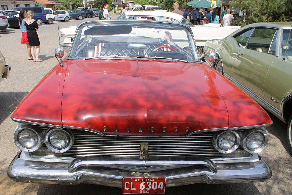 Sraz amerických aut a veteránů se koná o prvním červnovém víkendu v Pasohlávkách. Podle jednoho z organizátorů akce Dareka Haumera z Pohořelic bude největším ve střední Evropě.