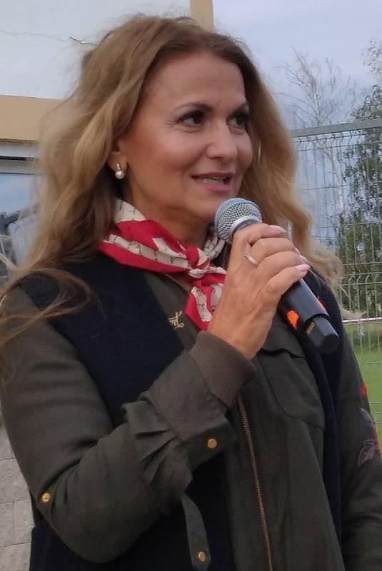 Zpěváci se srdcem na pravém místě se setkali v Horních Věstonicích na koncertě, který podpořil pacienty s nemocí motýlích křídel.