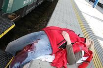 Žáci se v Preventivním vlaku setkali také s nácvikem první pomoci.