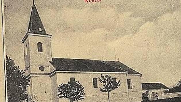Secesní pohlednice z doby po roce 1910 zachycuje pohled na křepický kostel svatého Bartoloměje.