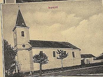 Secesní pohlednice zdoby po roce 1910zachycuje pohled na křepický kostel svatého Bartoloměje.