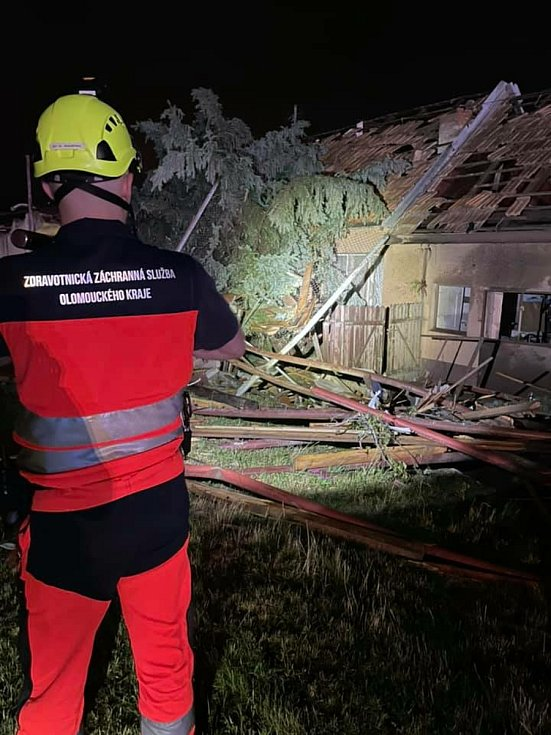 V noci na dnešek dorazila do Moravské Nové Vsi také pomoc z Olomouckého kraje.