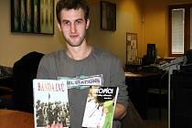 Jednadvacetiletý spisovatel Michal Šefara z Břeclavi se dočkal. Na pultech knihkupectví se objevily jeho dvě knihy.